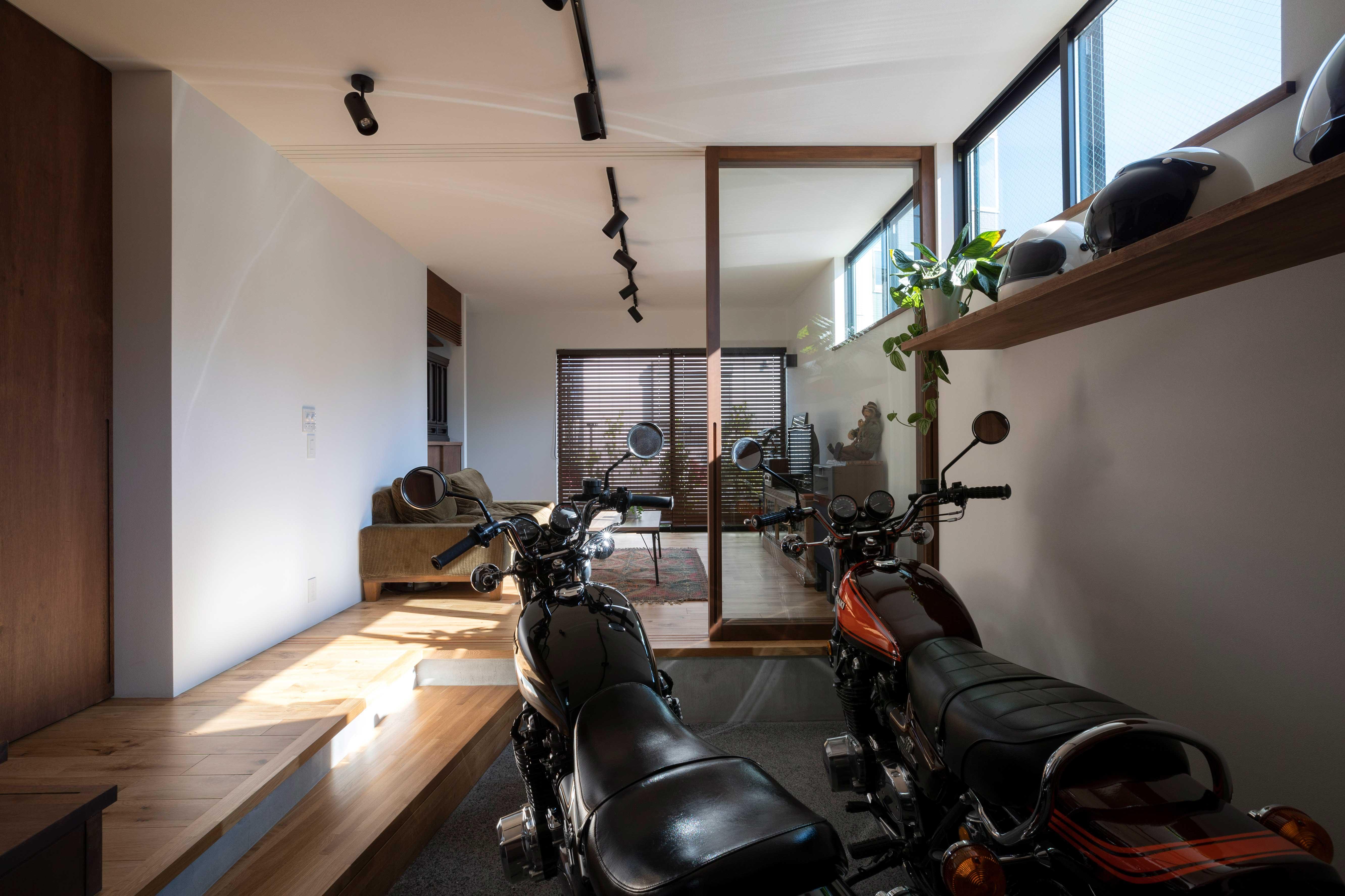 佐久間 徹/バイクとオーディオの家