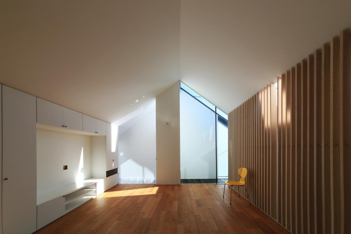 光を楽しむ家
